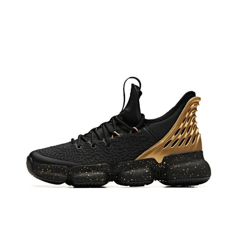 安踏 SEEED系列缓震耐磨篮球鞋 91931180 黑金 到手价129元