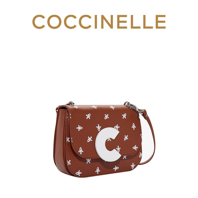 陈都灵同款COCCINELLE/可奇奈尔CRAQUANTE斜挎包女印花牛皮单肩包 2090元